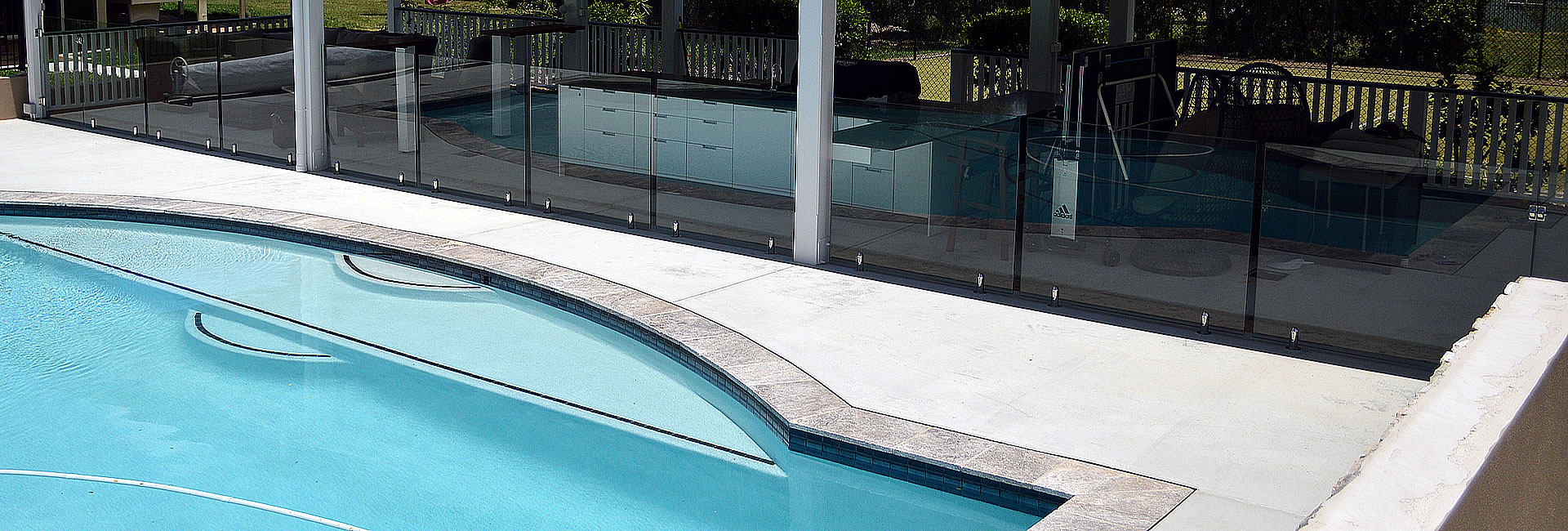 raphs-glass-pool-fencing-brisbane-01