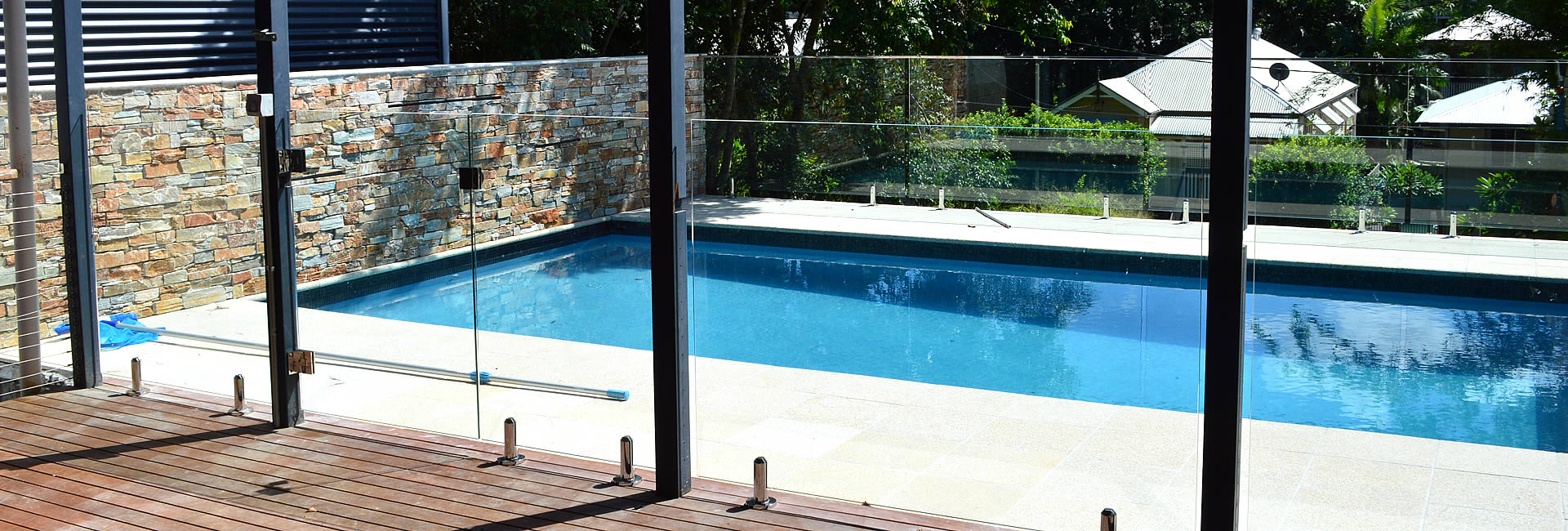 raphs-glass-pool-fencing-brisbane-05