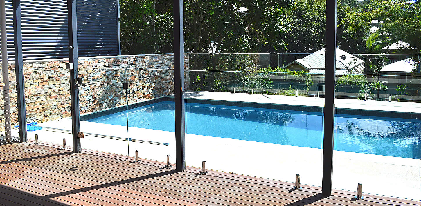 Raphs glass pool fencing services for Glass pool fences