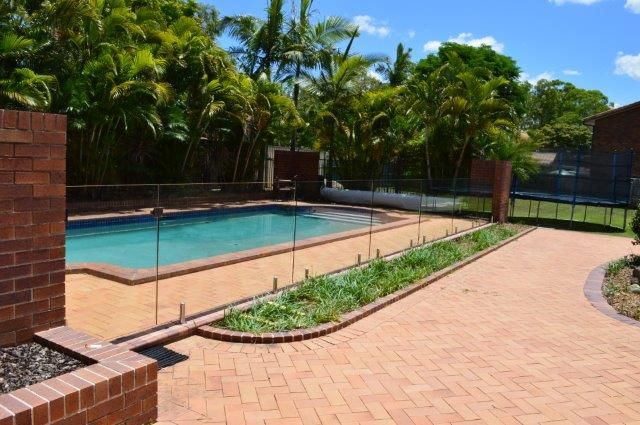 Glass pool fencing brisbane gold coast project gallery for Pool fence design qld